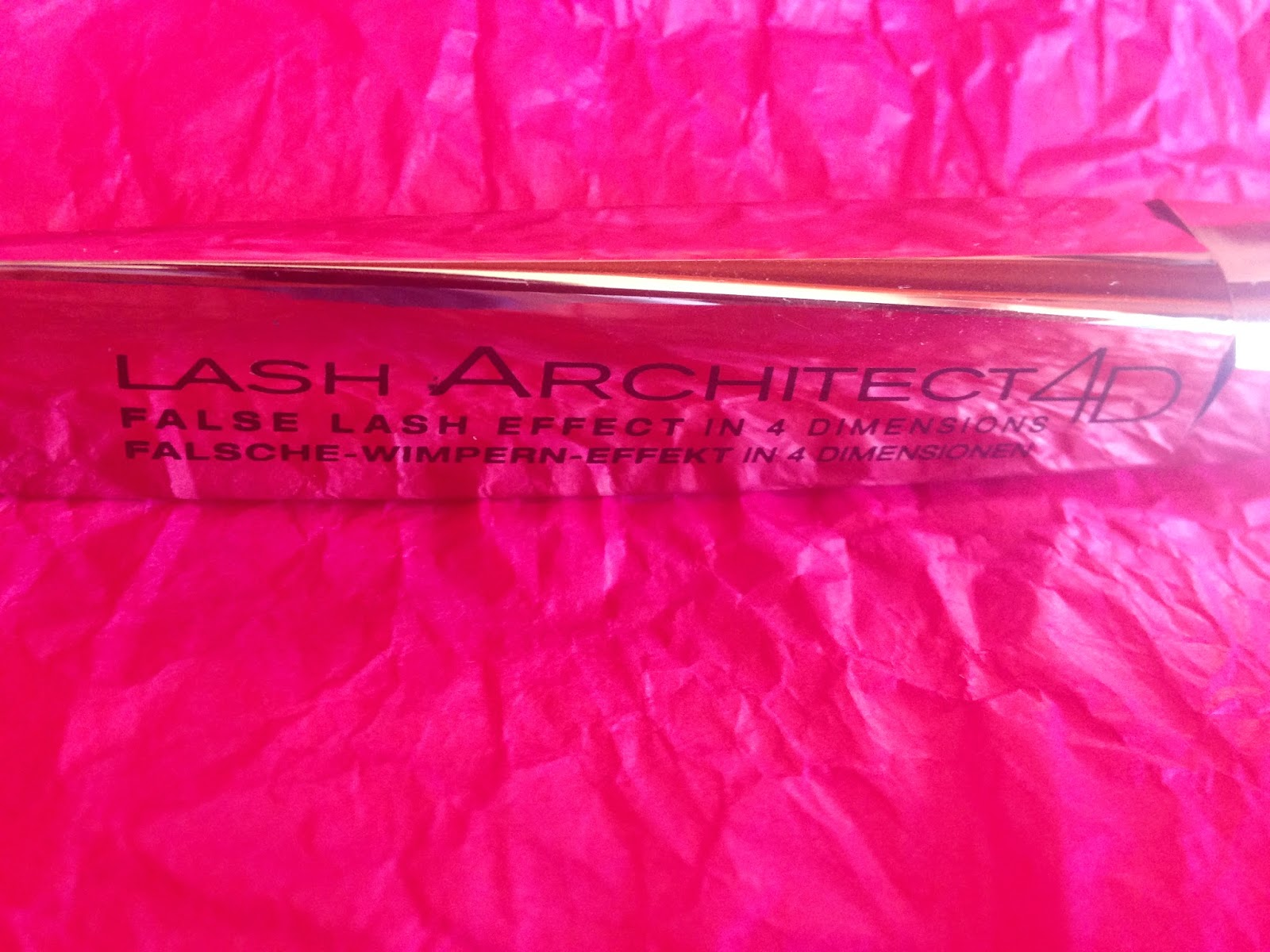 L'Oreal Lash Architect 4D mascara packaging - www.modenmakeup.com