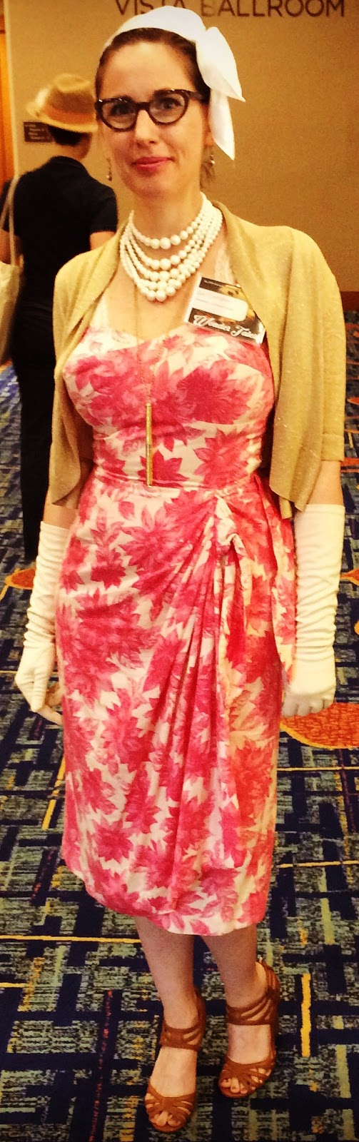 Retro Rack Gail Carriger In Vintage 1950s Pink Flowered