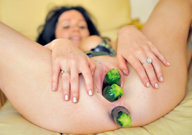 в овощи видно порно скачать лесбиянки жопе