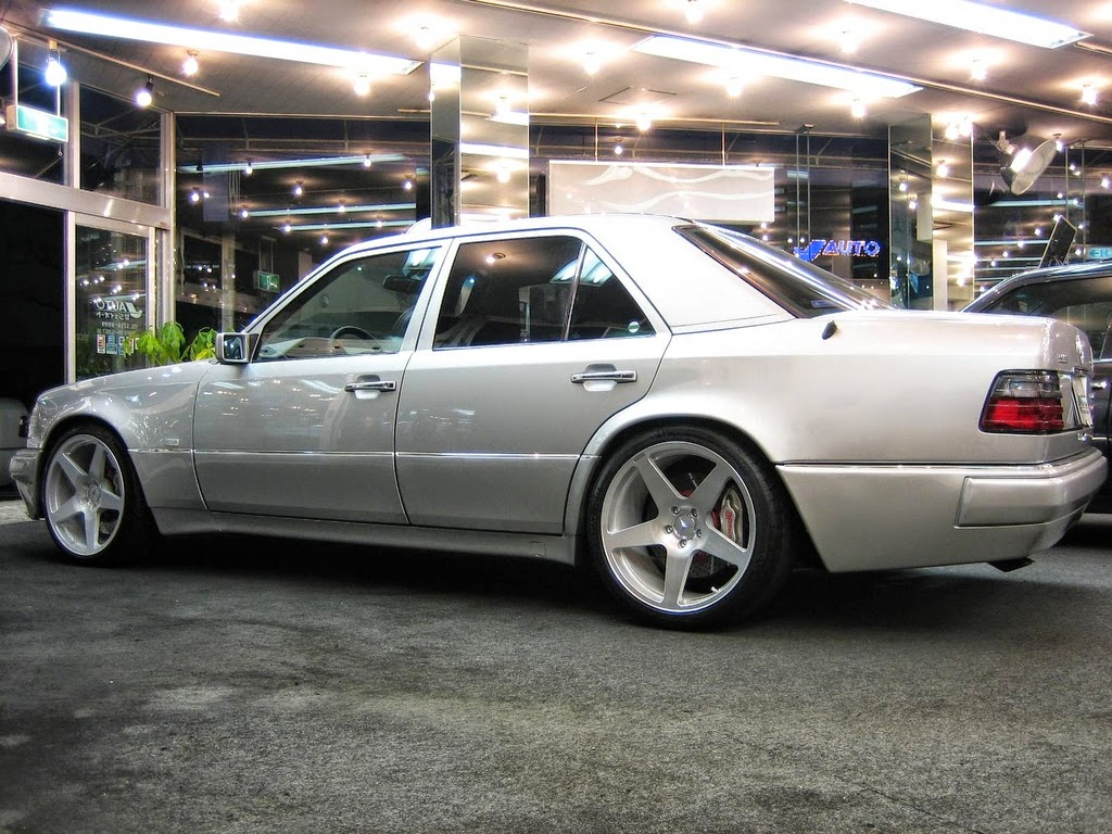 mercedes benz w124 e500 on neez wheels benztuning. Black Bedroom Furniture Sets. Home Design Ideas