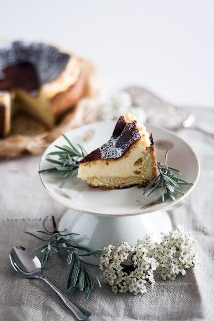 Käsekuchen, blogpost, Tasse vom Flohmarkt, vintage, Blumendekoration