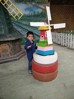 Windmill Spot dalam Strawberry Farm