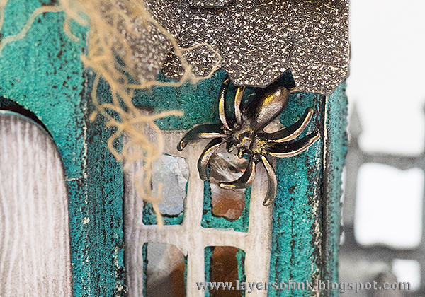 Layers of ink - Halloween Manor House Tutorial by Anna-Karin with Sizzix dies by Tim Holtz.