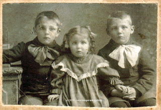 Arthur Desgroseilliers with brother Eugène and sister Alma