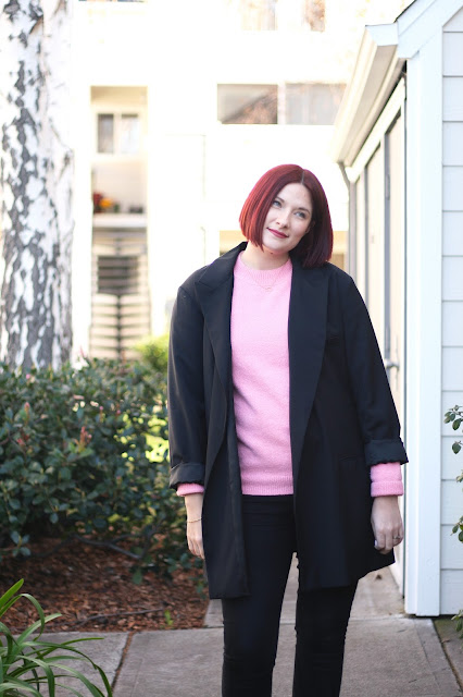 pink knit sweater, all black outfit, pop of colour, fashion blogger