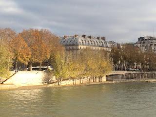 Annonce immobilière spécialisée pour la vente d'un appartement vue Paris