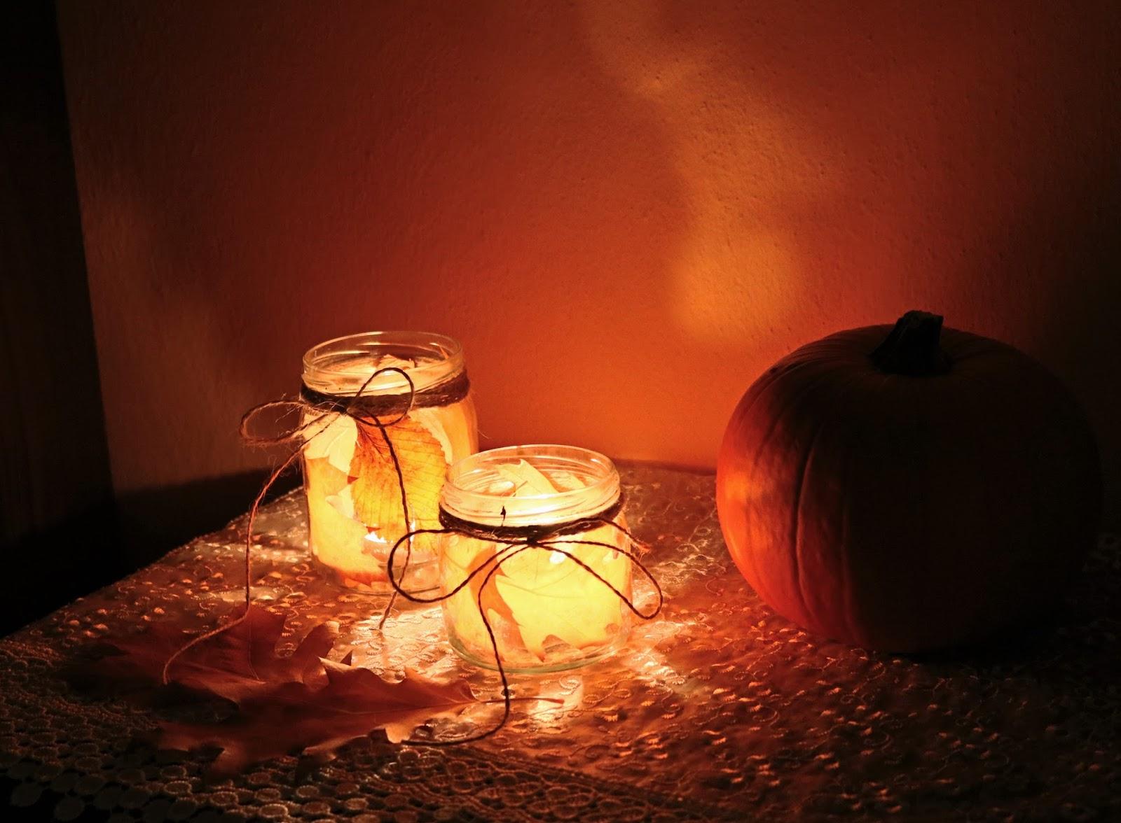 pomysły na świecznik ze słoików i liści