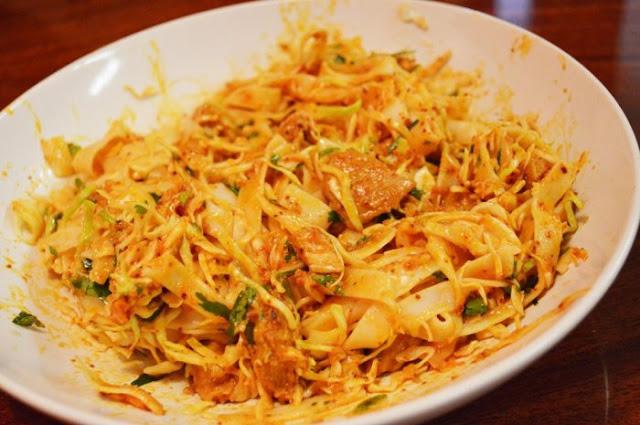 Nangyi Thoke Top 11 Must-Taste Burmese Dishes
