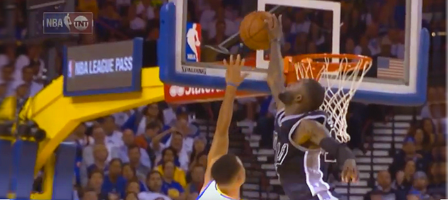 Jonathon Simmons' INSANE Chasedown Block On Stephen Curry! (VIDEO)