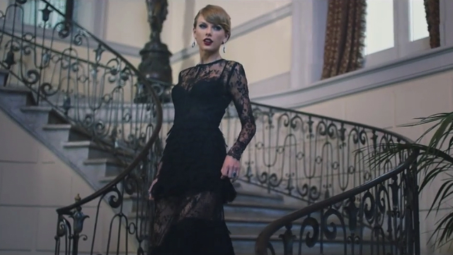 fix up look chic taylor swifts couture trolley dash