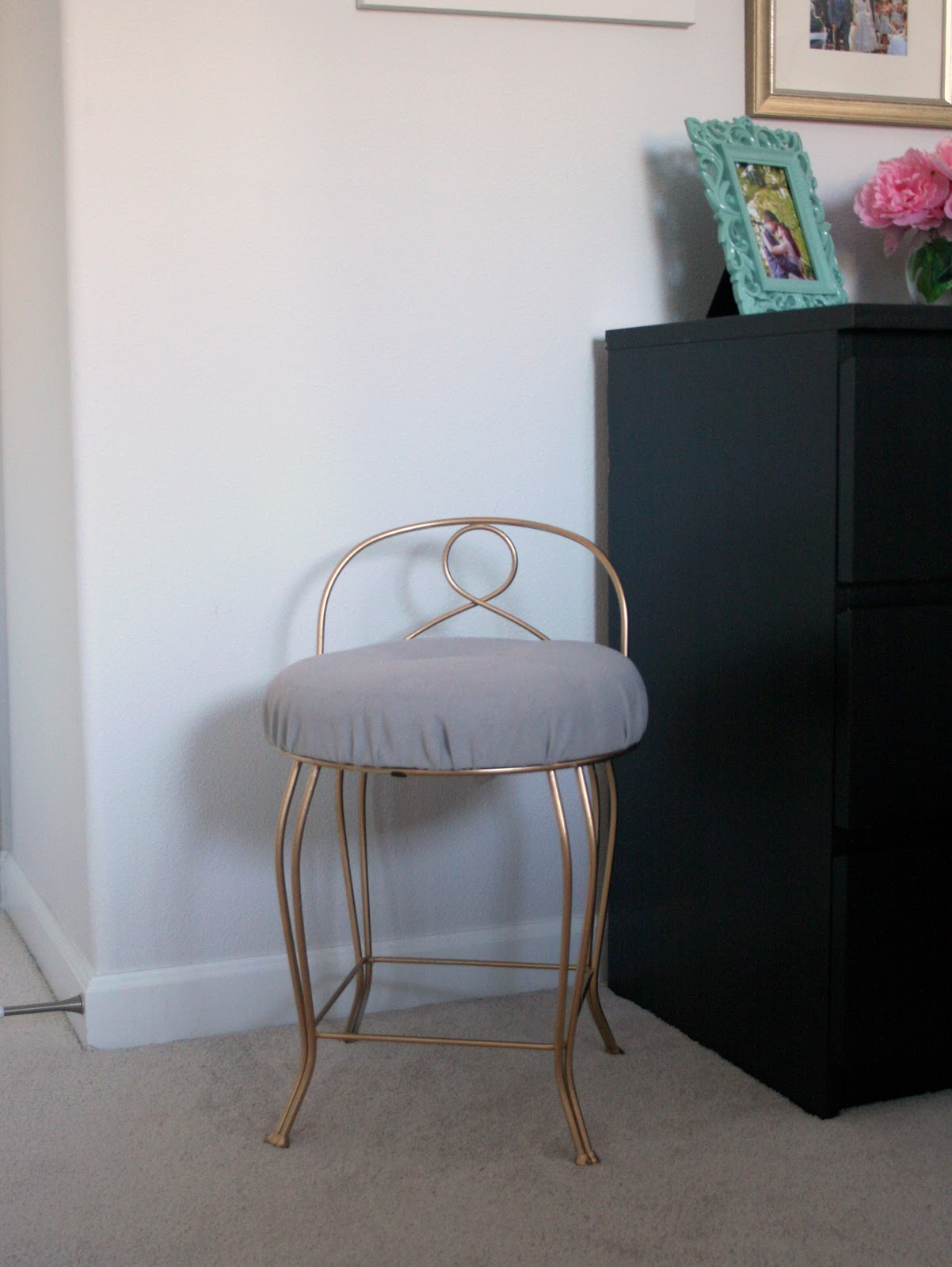 Furniture Re Do Pretty Vintage Vanity Stool Create Enjoy