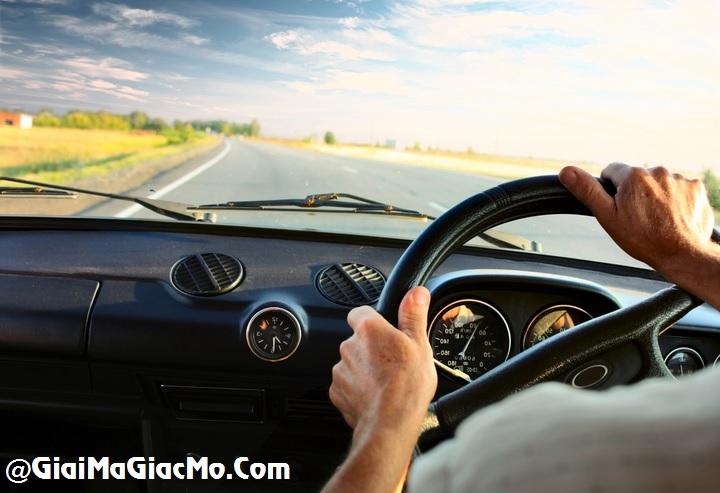 Giải mã giấc mơ lái Xe ô tô & ngủ nằm mơ lái Xe hơi