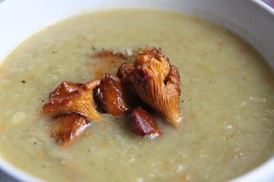 Zupa krem z młodych porów z kurkami