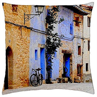Valderrobres - Throw Pillow Cover Case Modern design