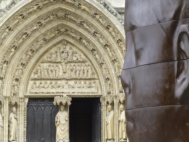 Catedral, Burdeos - Plensa por El Guisante Verde Project