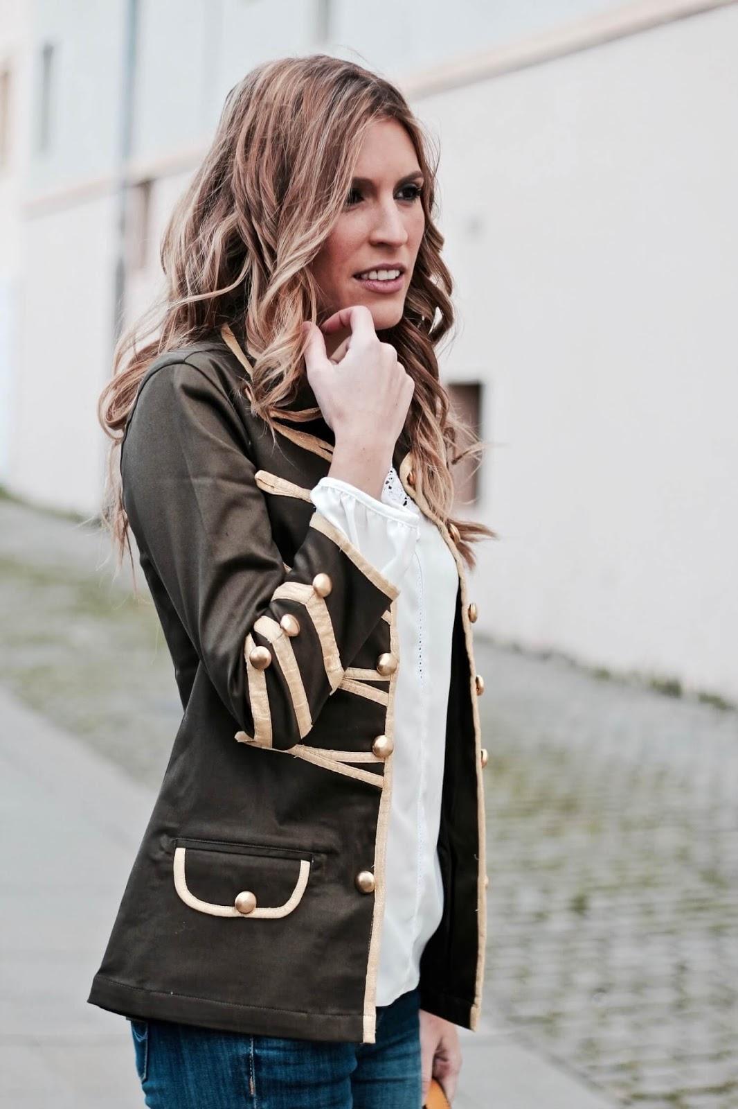 chaqueta estilo la condesa