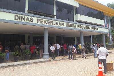 Legislator Papua Minta Jangan Menstigma Kontraktor OAP tak Mampu