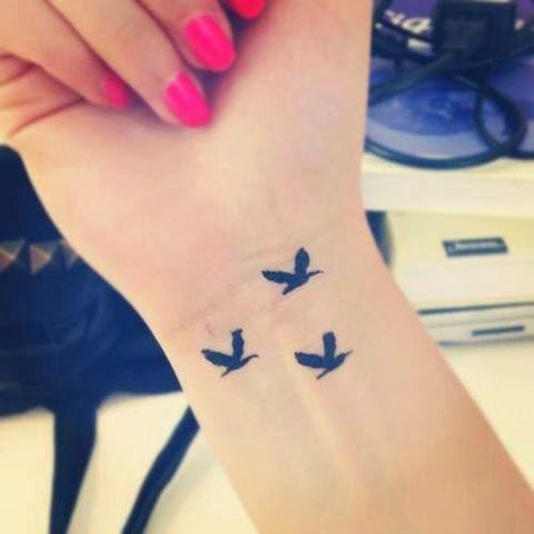3 Tatuajes Pequenos Para Mujeres Tatuajes Para Mujeres
