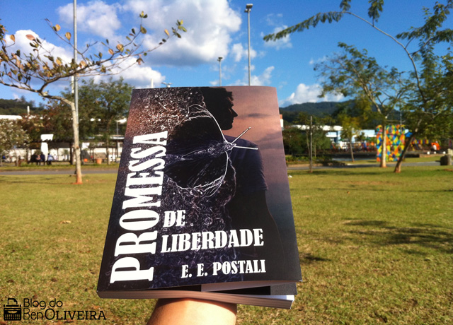 Livro Promessa de Liberdade, de Evelyn Postali