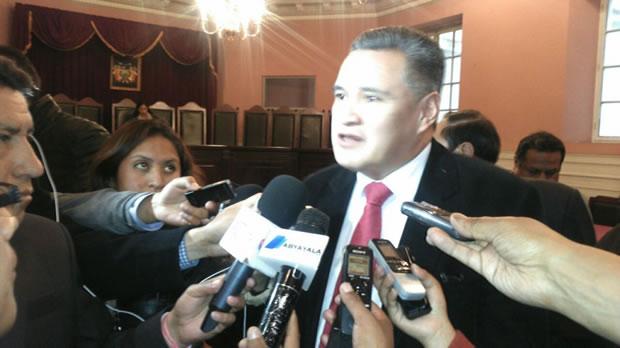 Conceden detención domiciliaria para Eduardo León
