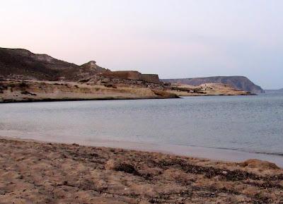 Playa del Playazo. Castillo de S. Ramón. Cabo de Gata