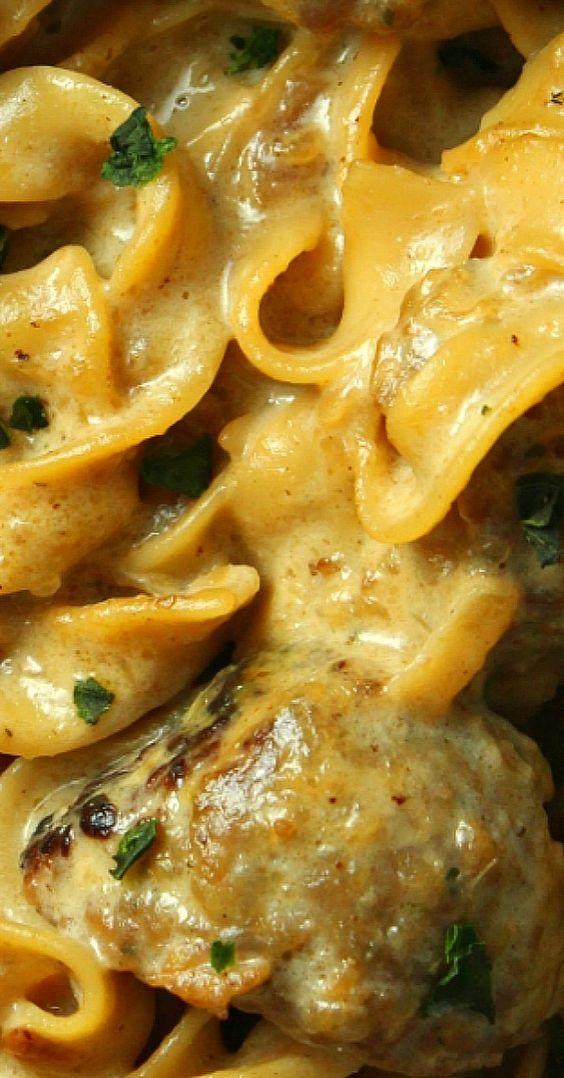 Creamy French Onion Sausage Pasta!