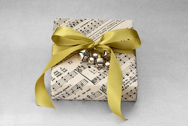 pacchetti natalizi originali pacchetti natalizi fai da te lifestyle  gift wrap paper ideas diy christmas packaging natale 2016 mariafelicia magno blogger