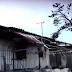 Τα καμμένα σπίτια στην Κόρινθο.
