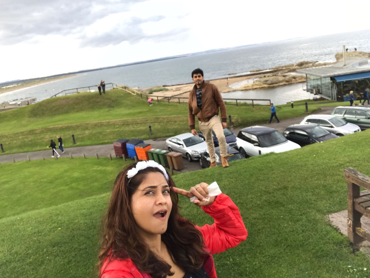 Amrapali Gupta Enjoying With Husband Yash Sinha on Location of London