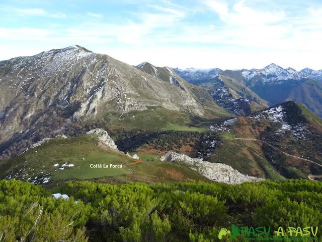 Bajando a la Collá de la Forcá desde el pico La Forcá