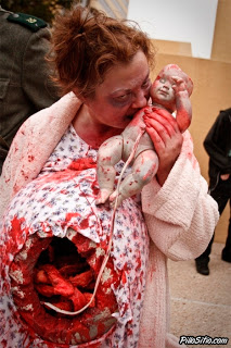 Cosplay para Halloween zombi y bebe