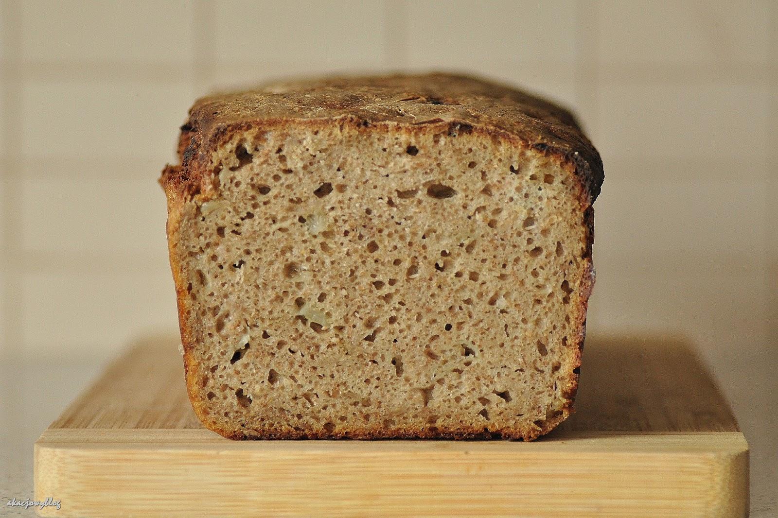 Żytni chleb piwno - cebulowy.