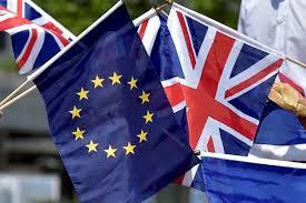 Britânicos votam pela saída da União Europeia