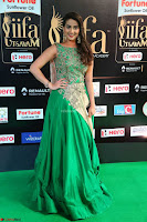 Manjusha in Beautiful Sleeveless Green Anarkali dress at IIFA Utsavam Awards 04.JPG