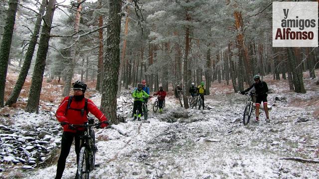 Ruta MTB con nieve - AlfonsoyAmigos