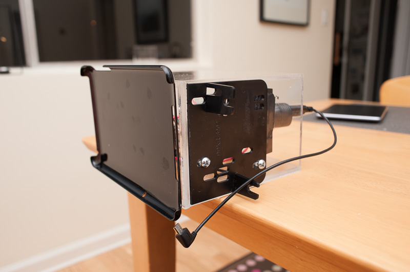 une tablette nexus 7 en guise d 39 autoradio micougnou. Black Bedroom Furniture Sets. Home Design Ideas