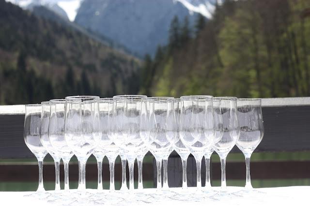 Hochzeit in Pastell, zauberhaft heiraten mit zarten Farben, Riessersee Hotel Garmisch-Partenkirchen, Hochzeitslocation am See in den Bergen, Maihochzeit 2017