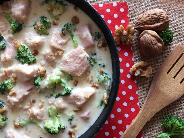 pavo con brócoli en salsa de parmesano receta