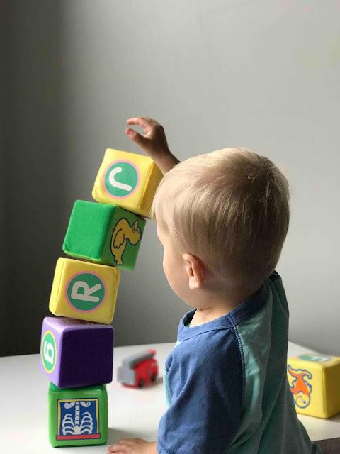 dziecko, wieża, klocki