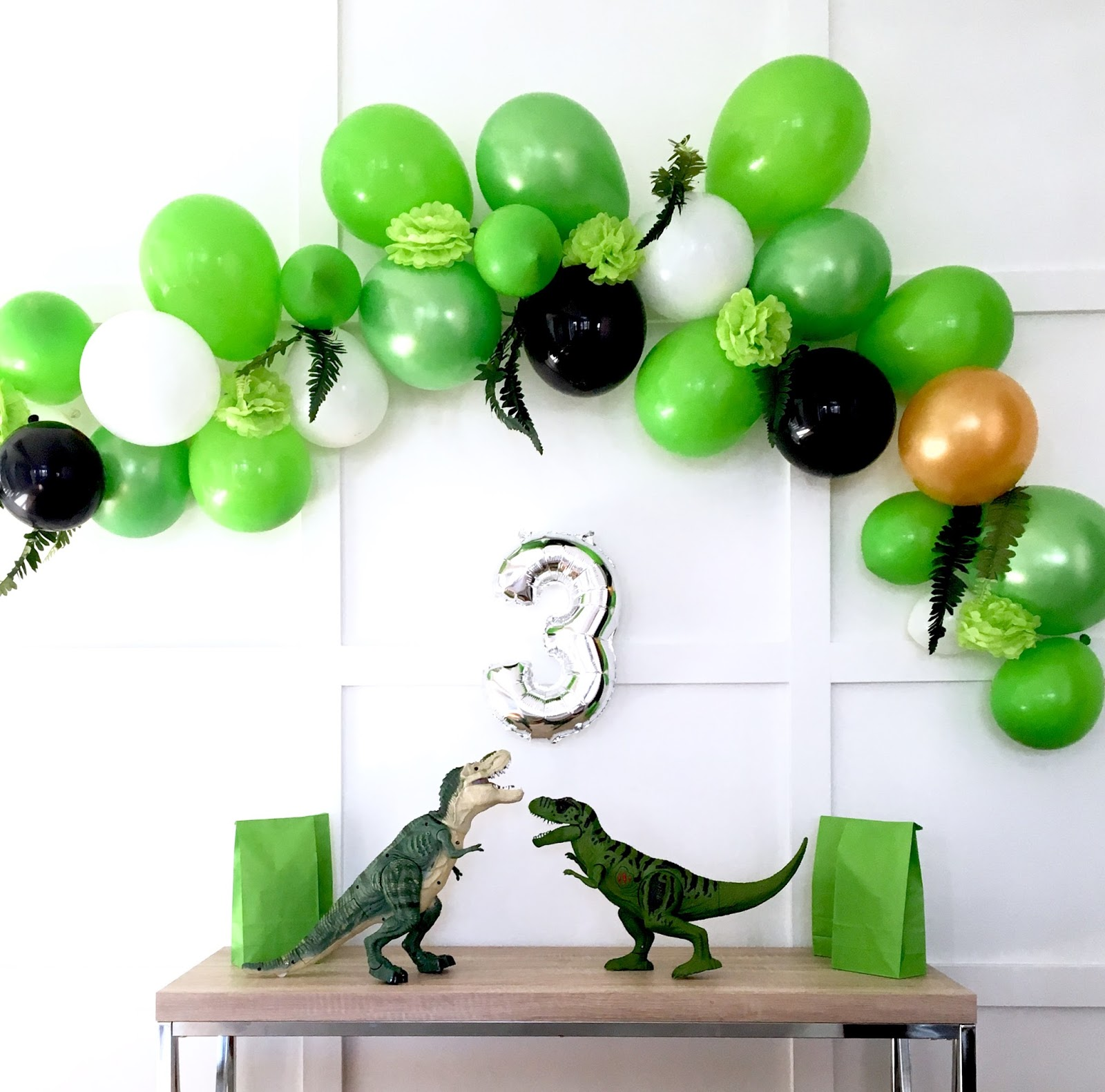 how to make a modern balloon arch