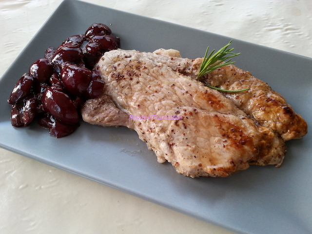 Bistecche di prosciutto fresco alle ciliegie - Fresh ham steak with cherry sauce