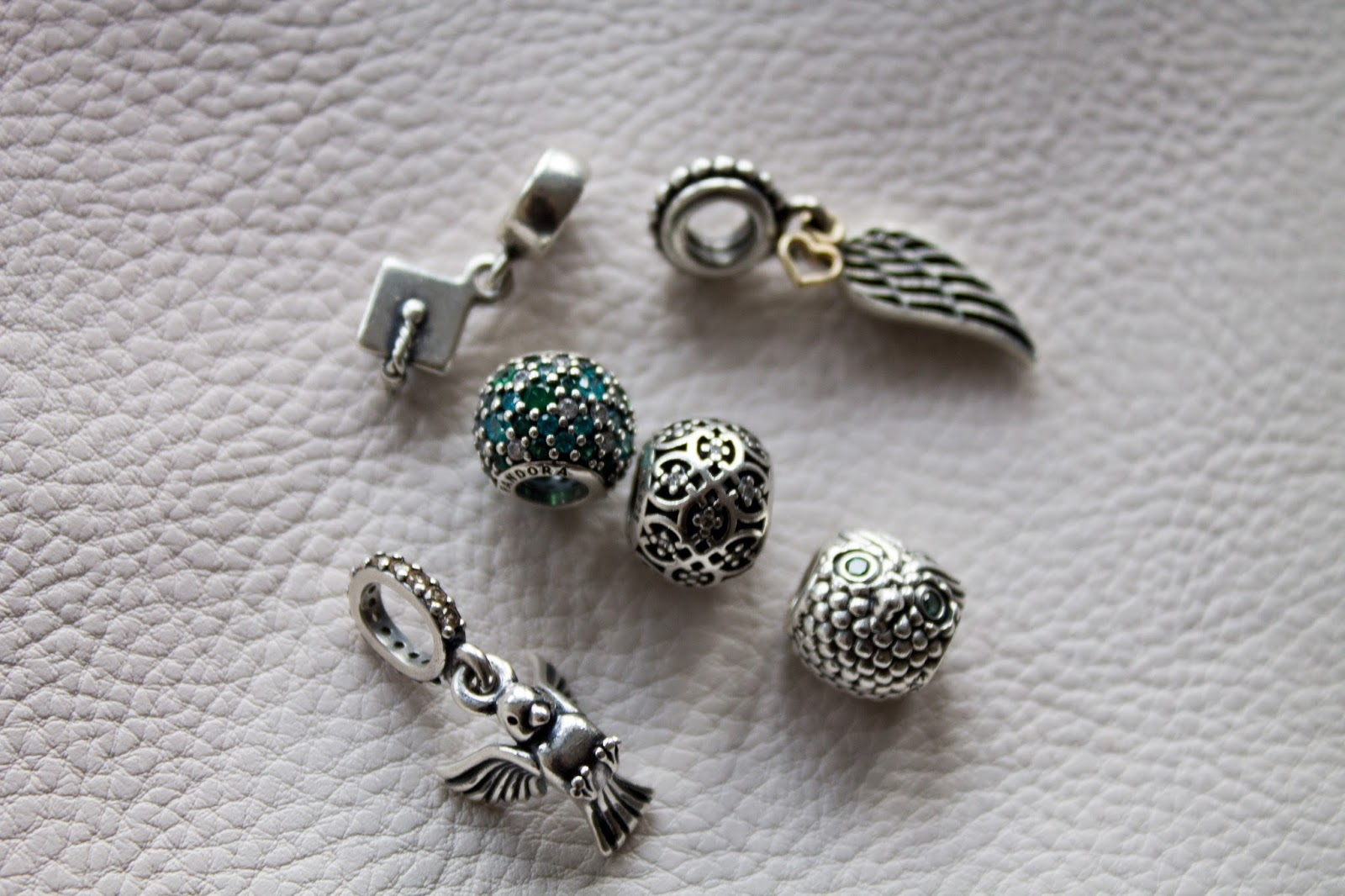 Pandora bracelet, charms and similar - What to expect