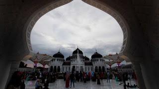 Benarkah Syariat Islam Menghambat Investasi di Aceh?
