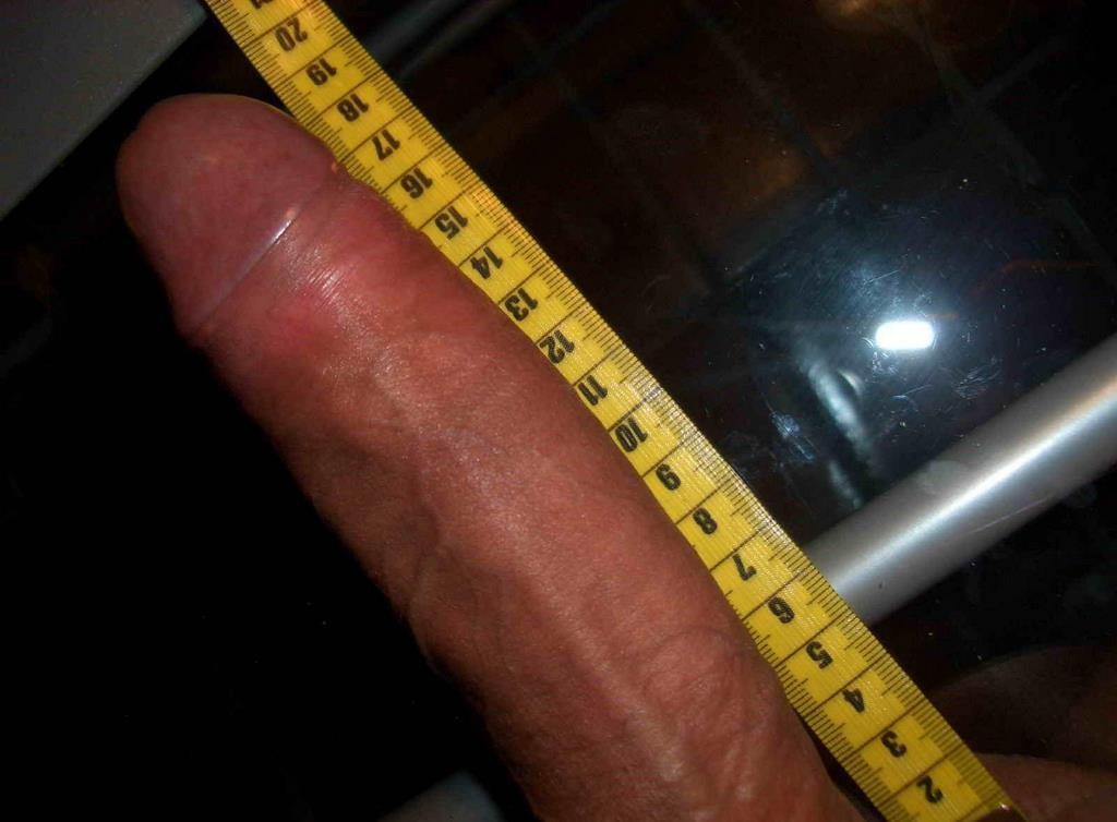 biggest shemale cock measure