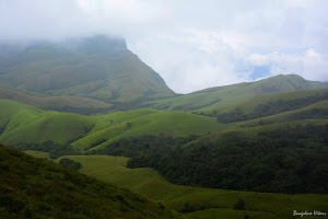 Kudremukh, lush green mountains 1