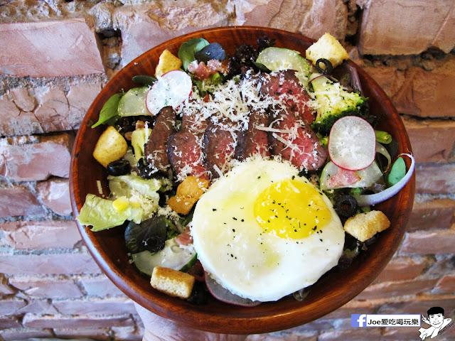 IMG 6571 - CMYK GALLERY | 集會畫教室、藝廊、餐廳於一身的特色餐廳,色彩繽紛的用餐環境,令人賞心悅目,也讓網美們為之瘋狂!