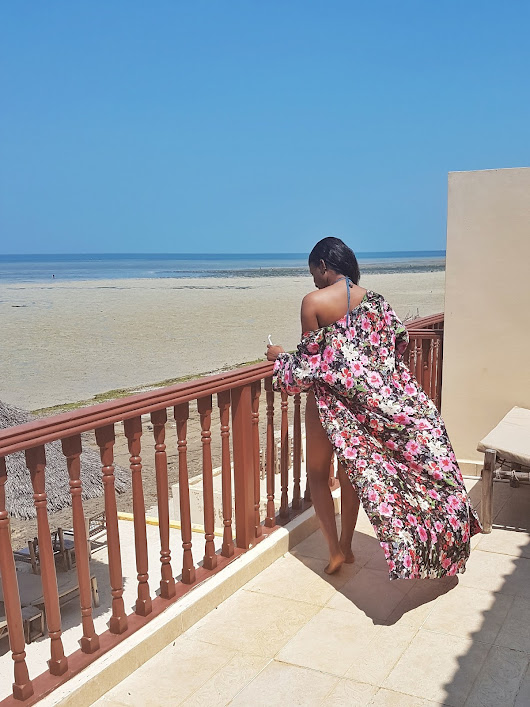 Vacation Diaries: Beach Style - Green Swimsuit & Maxi Floral Kimono - DaFashionFreak