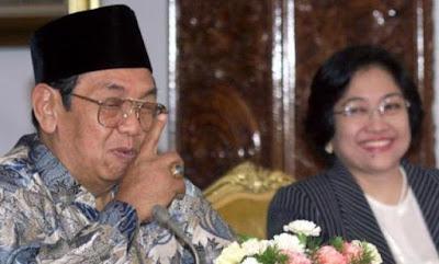 Sebuah Cerita : Ketika Nasi Goreng Mendamaikan Gus Dur dan Megawati