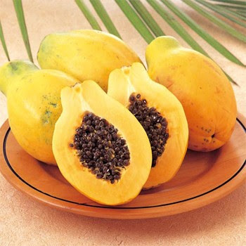 Pawpaw (papaya) – green to golden skin, orangey flesh with a sweet subtle flavor and black seeds; eaten raw sprinkled with lime or lemon juice. Served with crab or prawns and mayonnaise as a first course.