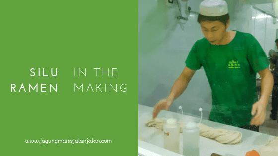 silu ramen in the making